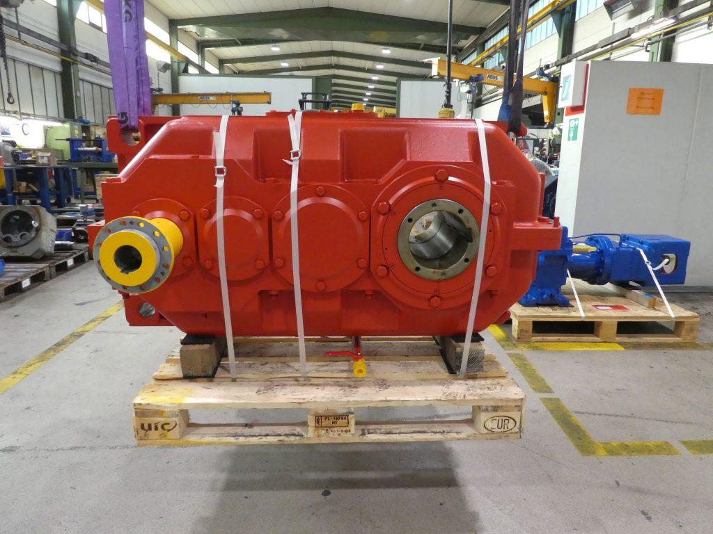PIV Krangetriebe Hubgetriebe / Hubwerksgetriebe D355-2H Instandsetzung nach Revision Reparatur Instandsetzung